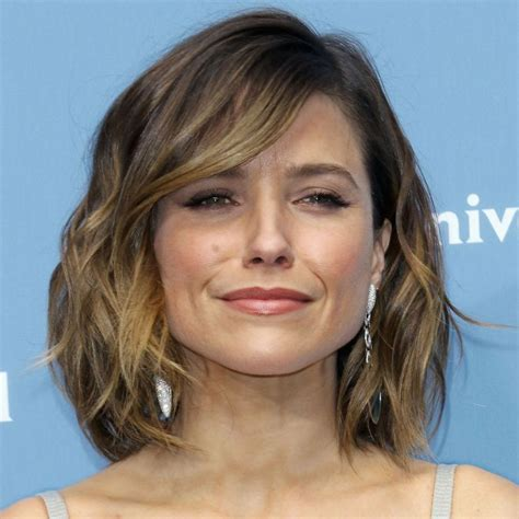 medium hairstyles that can be worn the ear best 25 sophia bush hairstyles ideas on pinterest