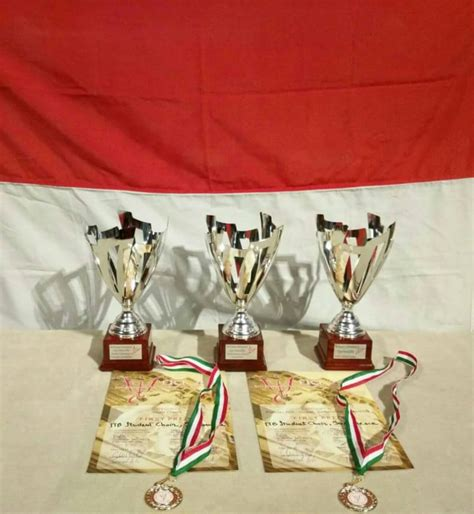 Kebaya Kutubaru Mahoni Semi Italy Premium paduan suara mahasiswa itb juarai 5th florence international choir festival di italia institut
