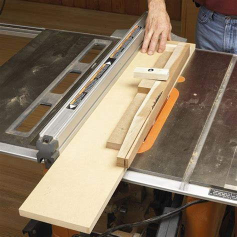 super simple tapering jig woodworking plan  wood magazine
