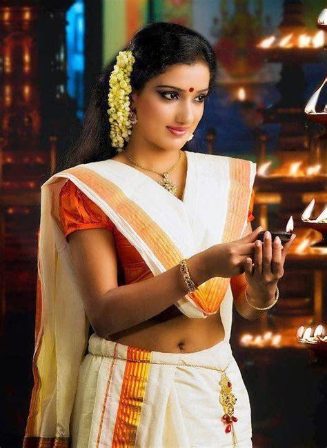 Vinaya Blouse kerala navel show in saree 2014