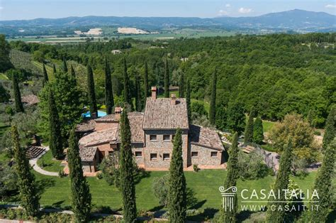 in umbria country house for sale between umbria and tuscany