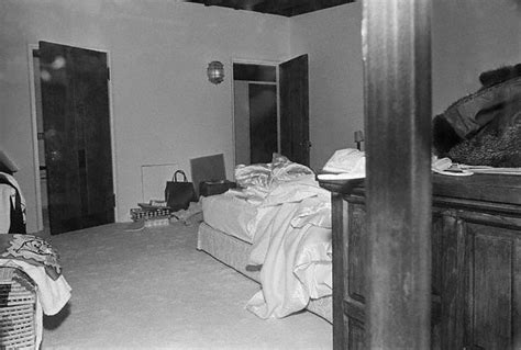bedroom her marilyn monroe s bedroom the day of her death abodes