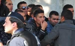 questura di parma permessi di soggiorno questura assediata dai tunisini quot vogliamo il permesso di