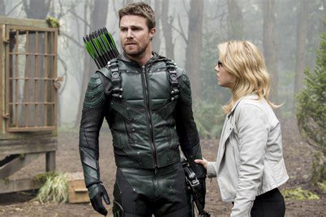 The Wears 5 arrow season 5 photos tvline