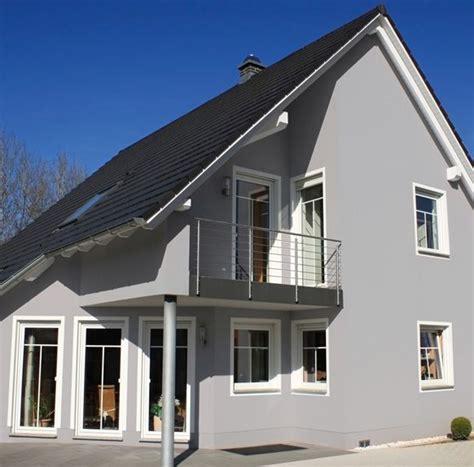 Hausfarbe Grau by Die Besten 25 Hausfassade Farbe Ideen Auf