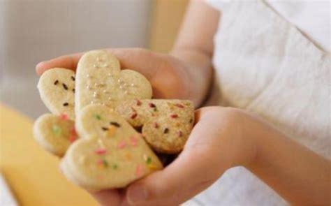 cucinare con i bambini cucinare con i bambini 5 buoni motivi non ti aspetti
