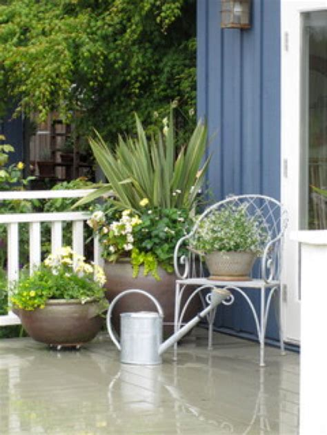 patio flower pots 6 diy planter ideas buildipedia