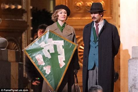 laste ned filmer le retour de ben emily mortimer and ben whishaw in mary poppins daily