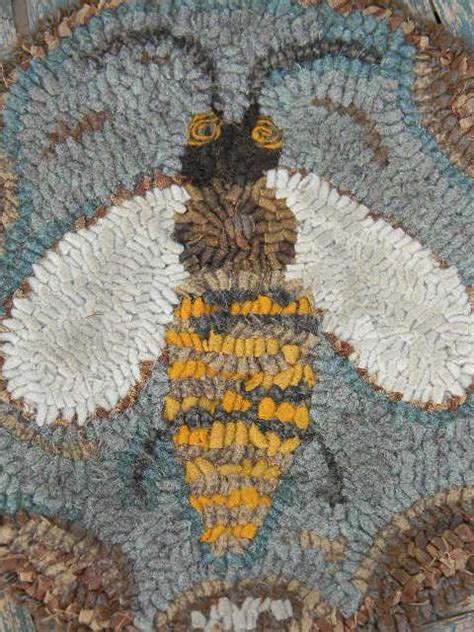 honey bee rug 17 best images about hooked rugs on folk wool and rug patterns