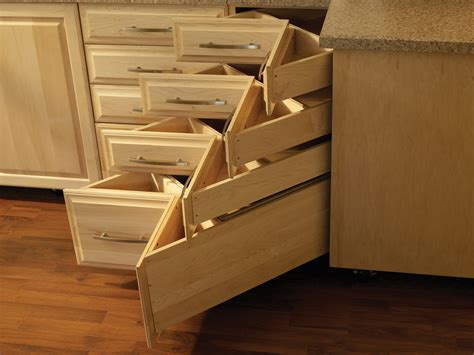 Ccf Drawers by Custom Dovetail Drawer Maker S Fiery Comeback