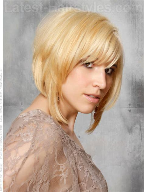 medium blonde bob hair style with wispy bangs 30 fresh bob haircuts people are going crazy over