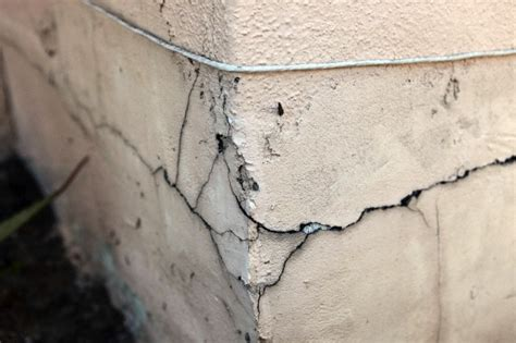 cracks in buildings reasons and prevention decorch
