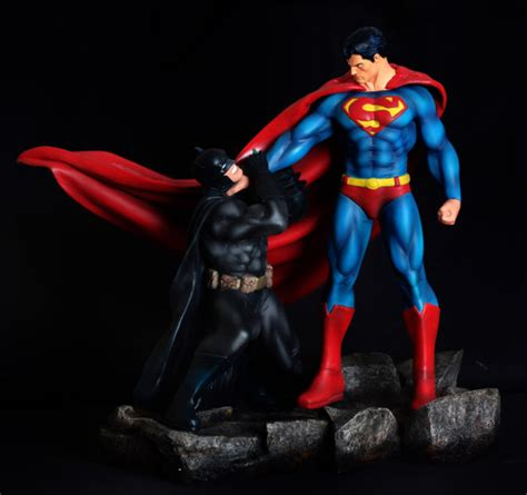 4 x superman vs batman superman vs batman 1 4 scale by halimawsculptures on