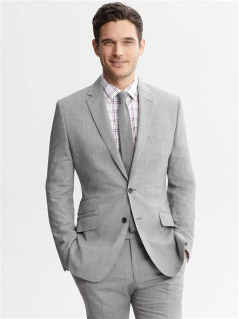 Jas Setelan setelan jas untuk pria bertubuh pendek lifestyle