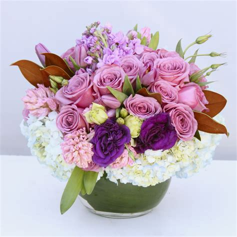 My Baby Powder Sweet Floral 100g bouquet in a small glass bowl in metter ga the