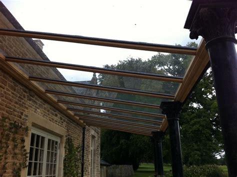 copertura tettoia trasparente scegliere una tettoia in legno tettoie e pensiline