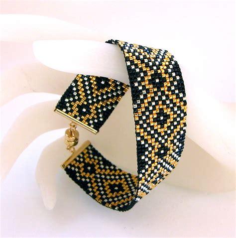 Bracelet Mold Galleries: Bracelet Loom