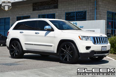 jeep cherokee white with black rims ride in style with this jeep grand cherokee with dub wheels