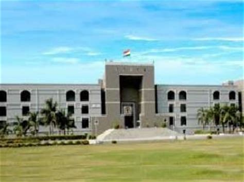 high court bench lucknow high court puts lucknow university s polls on hold careerindia