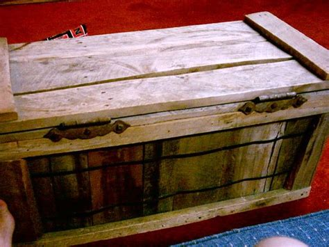 how to build a toy box out of pallets woodworking projects plans