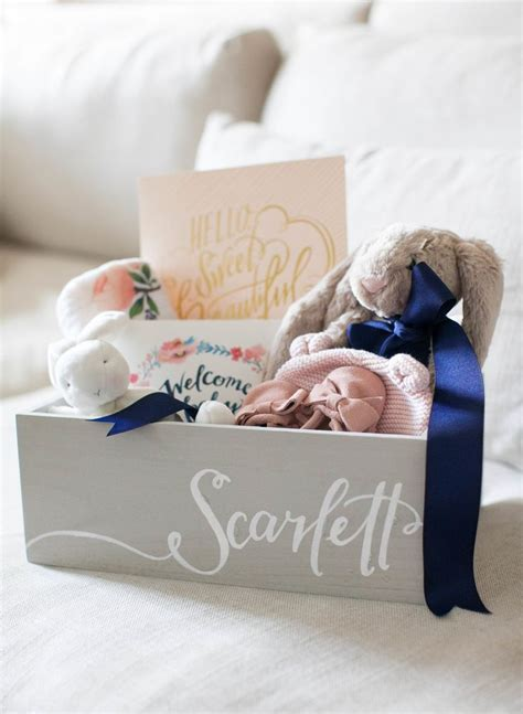 baby gift ideas 25 best ideas about baby shower gifts on