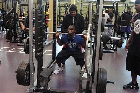 russell wilson bench press marshawn lynch workout
