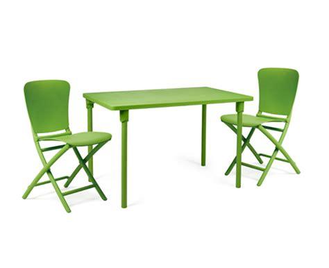 tavoli colorati sedie e tavoli colorati da giardino di nardi garden
