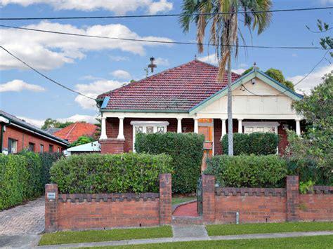 californian bungalow fences brick californian bungalow house exterior with brick fence
