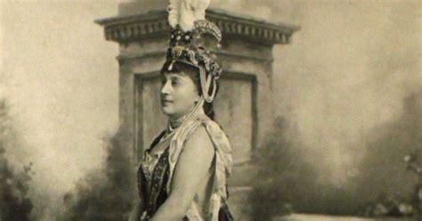 Novel Historical And The Duchess history in photos duchess of devonshire s jubilee costume 1897