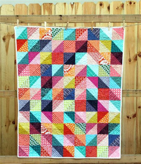 pattern for triangle baby quilt half square triangle quilts co nnect me