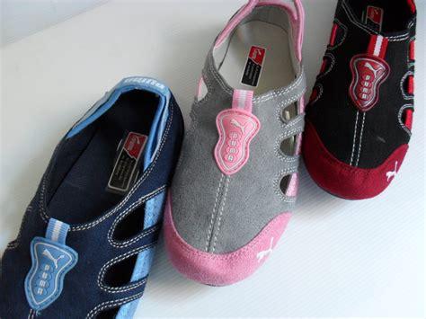 Sepatu Murah Cewek Biru pin sepatu cewek biru on