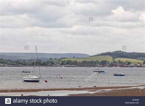 boat mooring exmouth boats moored in the river exe estuary at exmouth with