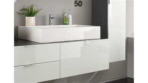 badezimmer in grau badezimmer set wei 223 hochglanz grau mit waschbecken