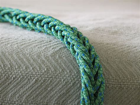 String Braiding Techniques - multi strand finger loop braiding