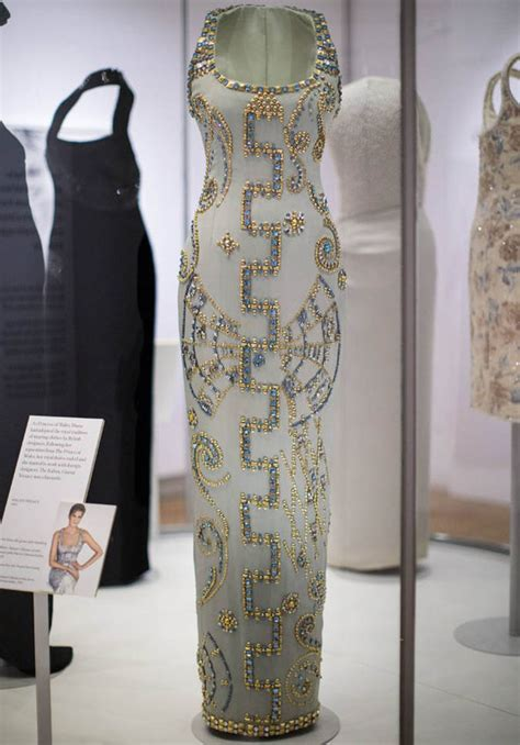 Dress Diana princess diana kensington palace exhibition 2017 which