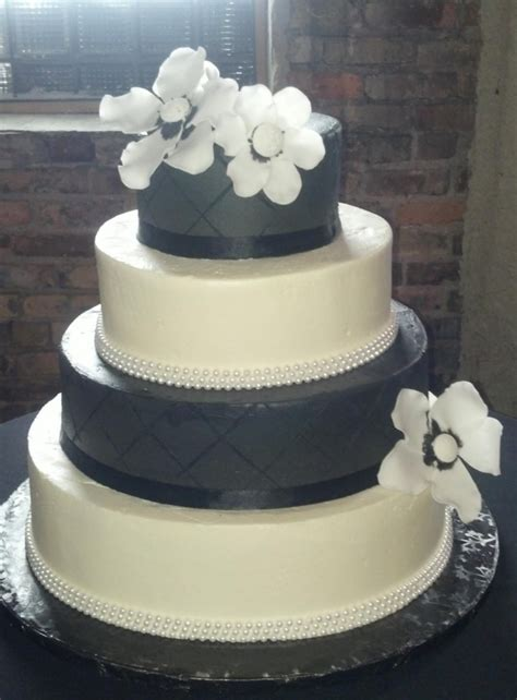 Wedding Cakes Minneapolis by Crave Catering In Minneapolis Debuts Own Wedding Cakes