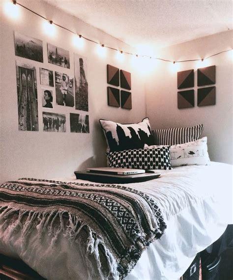cool dorm room decorating ideas wow dorm room dorm room 31 cool dorm room d 233 cor ideas you ll like digsdigs
