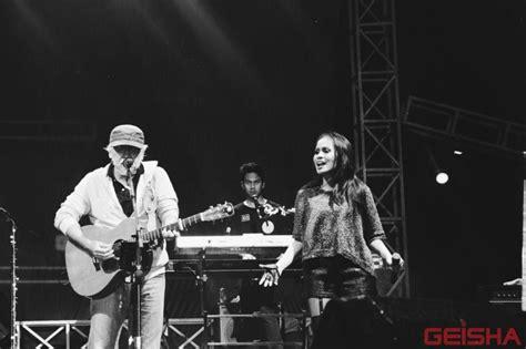 download lagu geisha tak seimbang ft iwan fals mp3 gratis lautan suara di konser bangkit untuk satu geisha