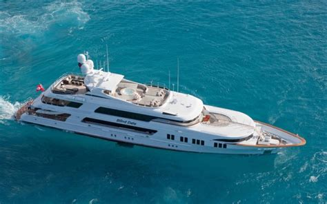 boat hire fort lauderdale charter yacht rockstar trinity yachts 161 5 cabins