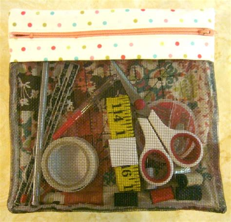 50 Bag Tutorials Patchwork Posse Easy Sewing Projects - zipper bag tutorial 52 ufo quilt block up