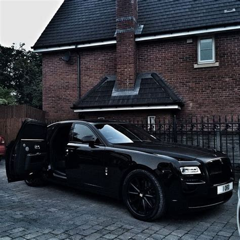 roll royce ghost all black rolls royce ghost most beautiful thing i ve seen