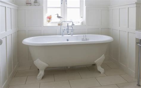 Resurfacing Bathtub Service by Enamel Bath Paint Resurfacing And Repair Uk By Mend A Bath