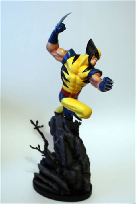 Classic Bags From Bown Designs by Bowen Designs Wolverine Classic Statue Fandomania