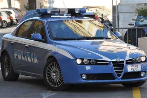 polizia volante genova rissa in strada tra immigrati sudamericani e