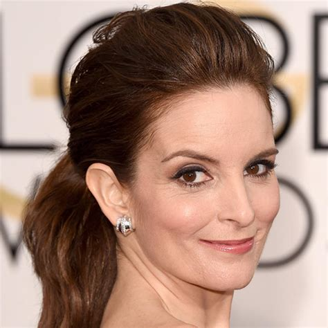 haircuts that help to take the eyes away from jowls 13 hairstyles that take off years prevention