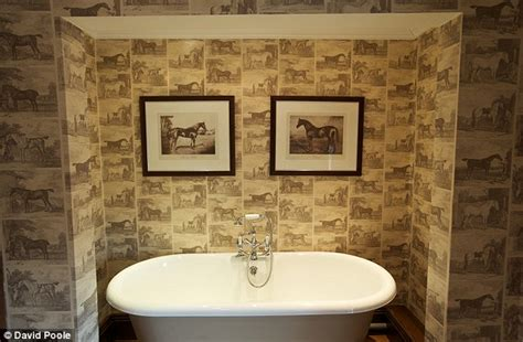 horse themed bathroom the only way is essex stars mick and kirk norcross put