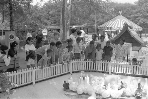 fruit 100 years ago retrographer children on a zoo trip