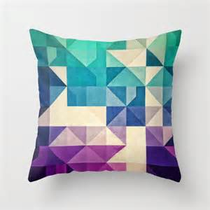 toss pillows on