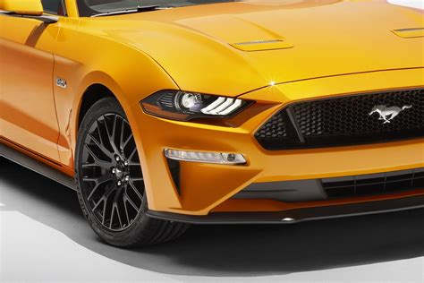 2017 mustang vs 2018 mustang 2018 vs 2017 ford mustang poll photo comparison
