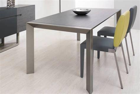 table de cuisine ovale table de cuisine ovale en bois cuisine id 233 es de
